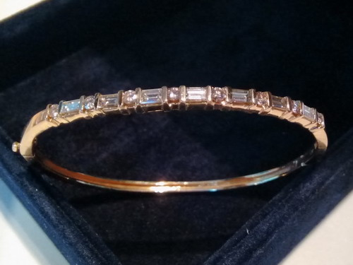 a diamonds jewelry emerald bangles baguette round fine and in white diamond bangle gold bracelet